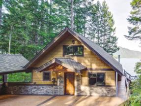 Smartside Engineered Wood Siding at Turkstra Lumber-Designer Showcase (Windows, doors, trim, hardware, columns, decks). Visit one of 11 convenient locations across Southwestern Ontario.